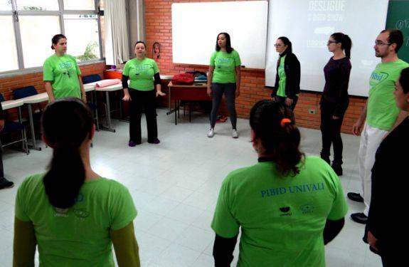 ITJ: Alunos e professores se manifestam pela permanência Pibid