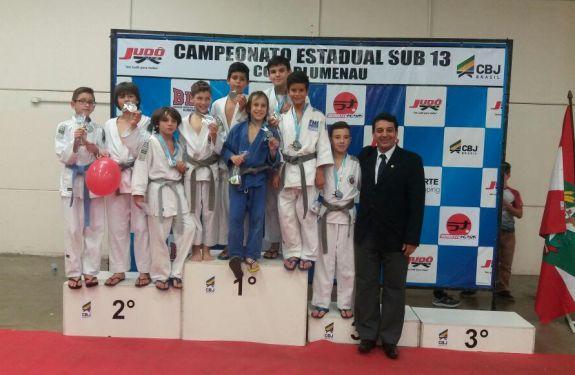 Judô de Balneário Camboriú conquista 16 medalhas em Blumenau