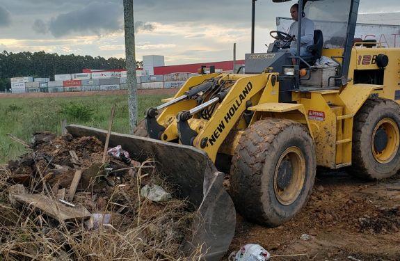 Mais de oito mil toneladas de entulhos são recolhidas pelo Mutirão de limpeza em Itajaí