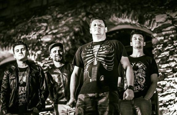 Máquina Viva e Jonny B. & Trio comandam palco do Didge BC neste final de semana