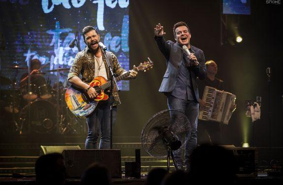 Marcos e Belutti fazem show principal do Piçarraiá 2018