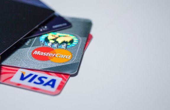 Metade dos brasileiros está com empréstimo atrasado
