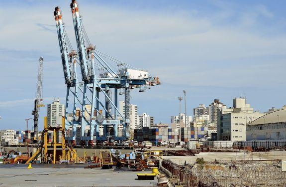 Ministro dos Transportes garante a liberação de R$ 23 milhões para as obras dos berços 03 e 04 no Porto de Itajaí