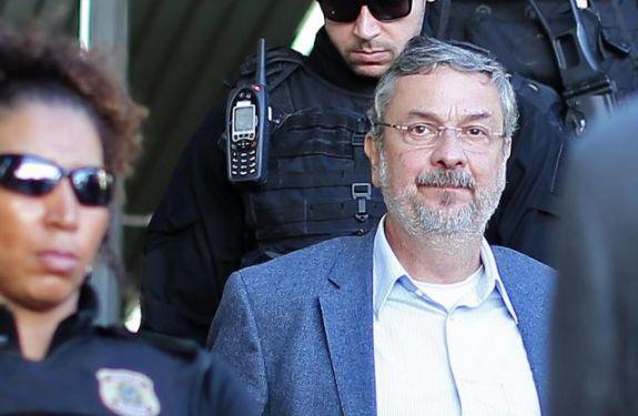 Moro condena Palocci a 12 anos e 2 meses de prisão