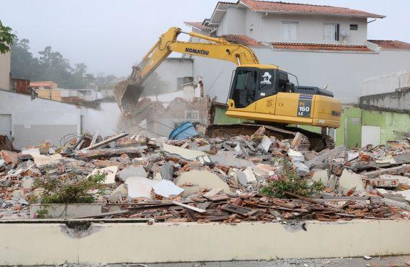 Novas demolições abrem caminho para transformação da mobilidade de Itajaí