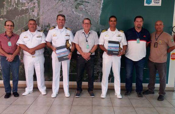 Novo Capitão dos Portos de Santa Catarina visita Superintendência do Porto de Itajaí.