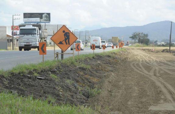 Obras deixarão BR-470 em meia pista até início de 2018