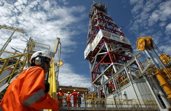 Petrobras anuncia leve queda em preços da gasolina e diesel