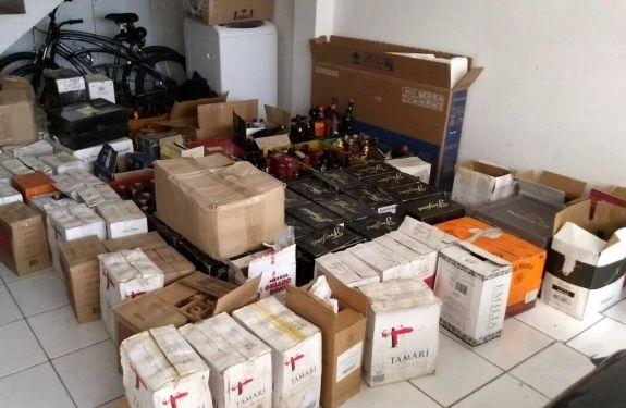 PF faz operação contra esquema clandestino de bebidas alcoólicas em SC