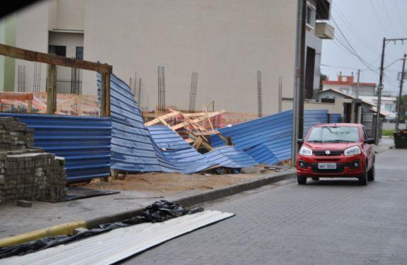 Piçarras: Estragos materiais foram causados por rajadas de vento