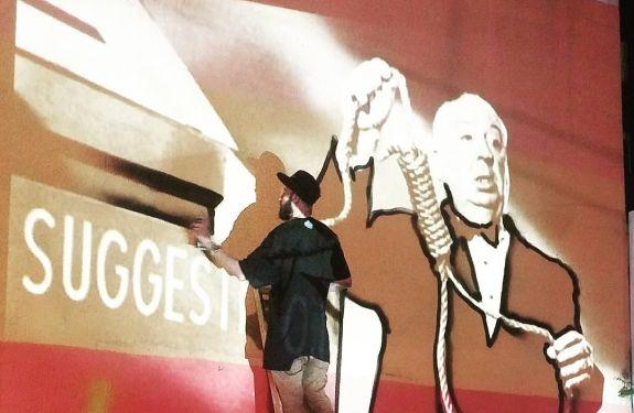 Pinturas em paredes de Praça de BC homenageiam artistas