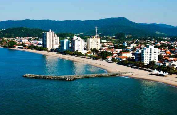 Pjçarras: Fundema recebe autorização para licenciar obras da praia