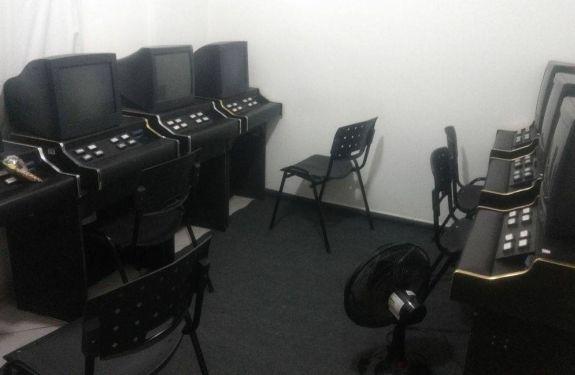 PM fecha bingo clandestino no Centro de Balneário Camboriú