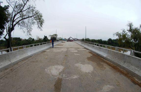 Ponte Tancredo Neves em Itajaí recebe últimas modificações
