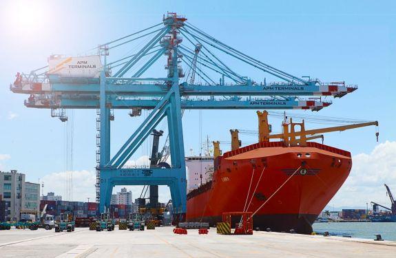 Porto de Itajaí fecha 2018 dobrando sua movimentação de toneladas em dezembro.