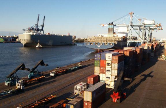 Porto de Itajaí recebe 1244 veículos em mais um teste da montadora General Motors (GM).