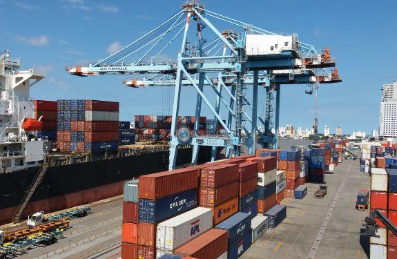 Porto de Itajaí registra no 1º trimestre de 2019 um aumento de 42% na movimentação de cargas.