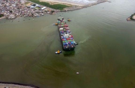 Porto de Itajaí testa nova Bacia de Evolução com manobra inédita no Brasil