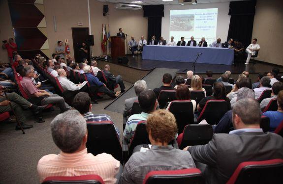 Porto de ITJ apresenta proposta para ampliação de área territorial