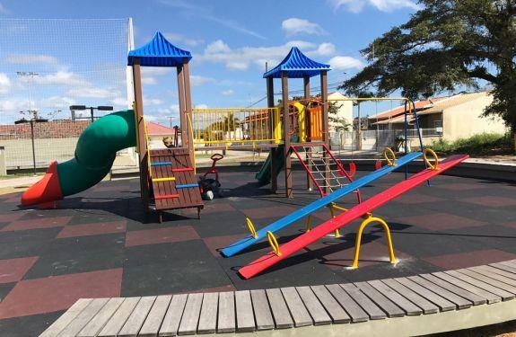 Praça da Harmonia em Bal. Piçarras recebe novos equipamentos