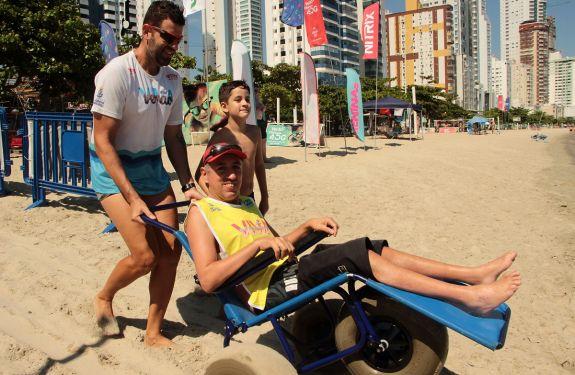 Praia Acessível realizou mais de 30 atendimentos no Viva Verão