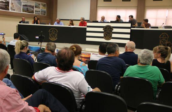 Prefeita Nilza Simas participa de reunião sobre poluição...