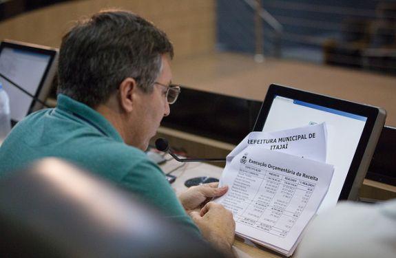 Prefeitura apresenta receita e despesas na Câmara de Itajaí
