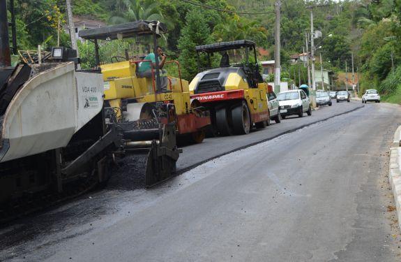 Prefeitura de Brusque conclui pavimentação da rua Nova Trento