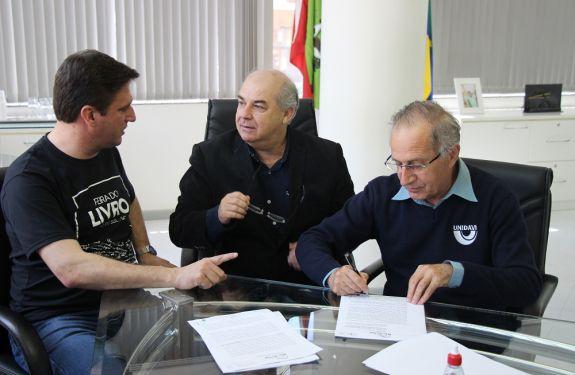 Prefeitura de Rio do Sul doa terrenos para Universidade