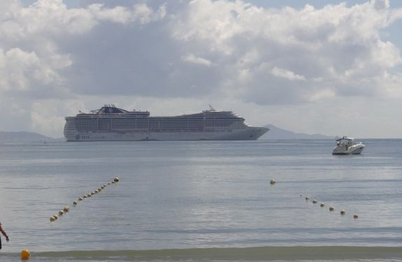 Primeira temporada de transatlânticos trouxe mais de 81 mil turistas a Balneário Camboriú