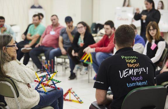Projeto capacita gratuitamente pessoas com deficiência para o mercado de trabalho em Itajaí (SC)