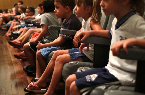 Projeto leva cinema ao público infantil e juvenil de BC