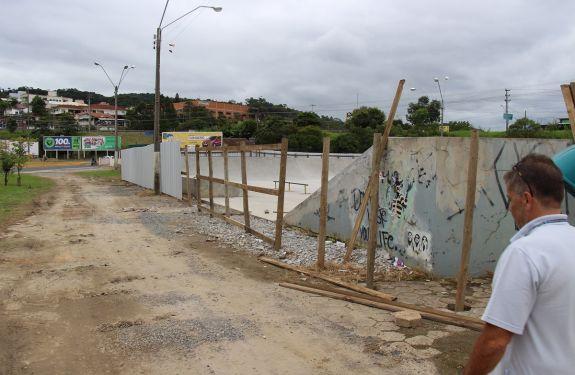 Reformas e melhorias avançam na Praça da Ximbica em Rio do Sul