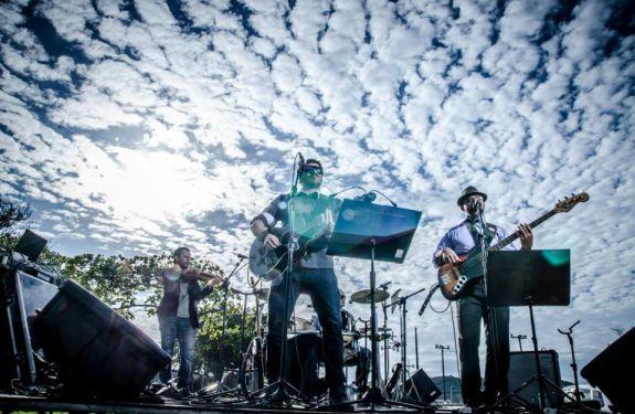 Retro rock da Tape Vox embala o sábado no Didge BC