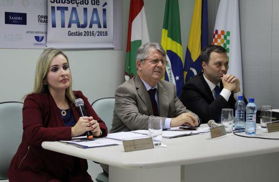 Reunião na ACII discute morosidade dos Cartórios de Registro de Imóveis de Itajaí