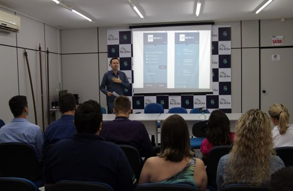 Rio do Sul é pioneira no país em utilizar aplicativo Atende.Net