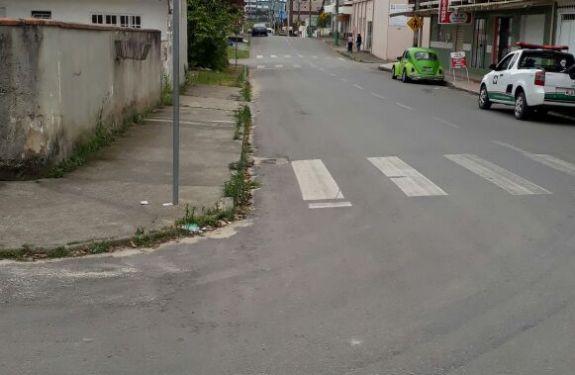 Rua de Camboriú sofre alteração em lado de estacionamento
