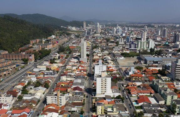 Ruas Brusque e Juvenal Garcia serão novo binário no Centro de Itajaí