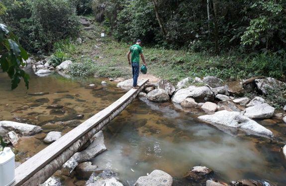 Secretaria de Agricultura realiza ação para controle de borrachudos em Camboriú