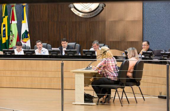 Secretária de Educação e diretora de Gestão de Pessoas prestam depoimento à CPI
