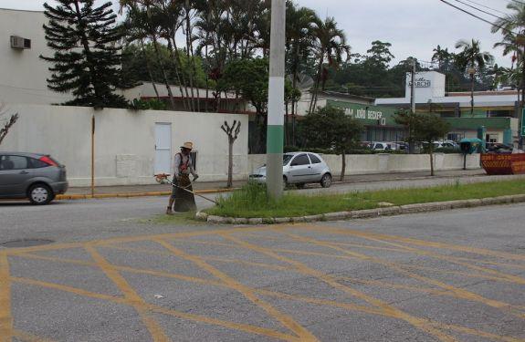Secretaria de Obras executa manutenções em diversos pontos de Brusque