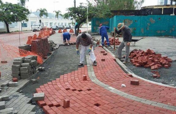 Segue a obra do Boulevard da Barra Sul em BC