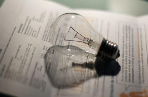 Sem chuvas, conta de luz deve manter tarifa mais cara