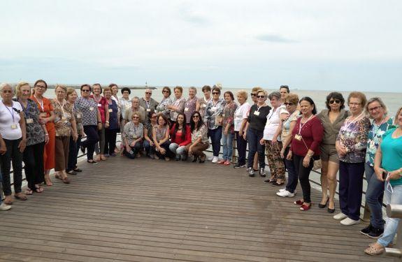 Semana do Idoso é aberta com passeio turístico em Itajaí