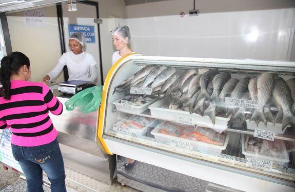 Semana do Peixe terá desconto em restaurantes e mercados do peixe de Itajaí