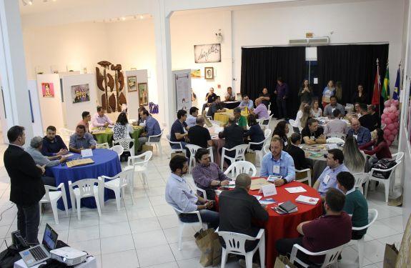 Sessão de Negócios reúne 35 empresas em Balneário Piçarras