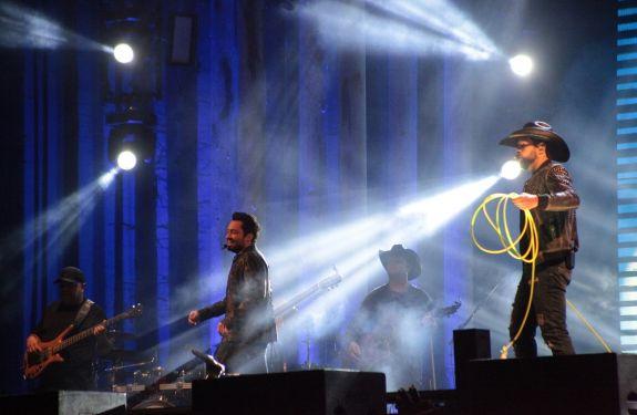 Show de Fernando e Sorocaba encerra 36ª Festa Nacional do Colono