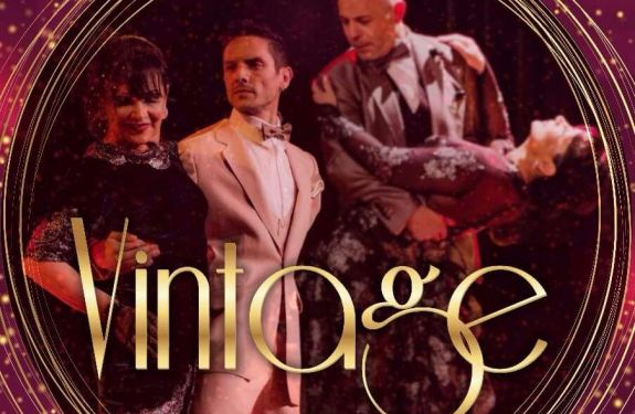 Studio de Dança Casa Paraguaia apresenta espetáculo 'Vintage' em Balneário Camboriú