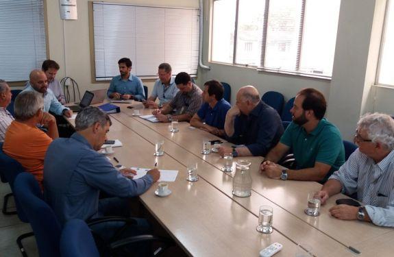 Superintendência do Porto de Itajaí: Assinada Ordem de Serviço para Estudos Teóricos e Execução de Simulações Náuticas