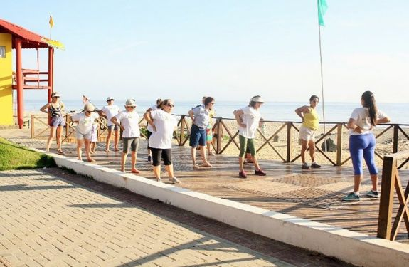 Piçarras: Terapia à beira-mar é mais um dos atrativos do Verão